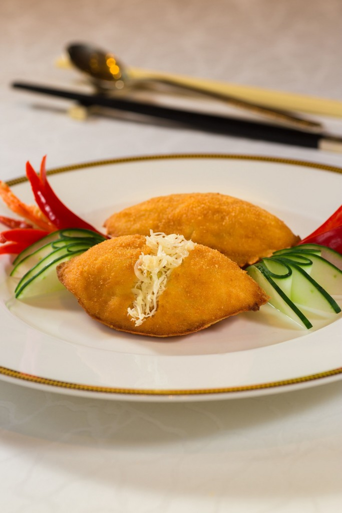 Fook Lam Moon_Baked Stuffed Crab Shell with Onions and Fresh Crab Meat