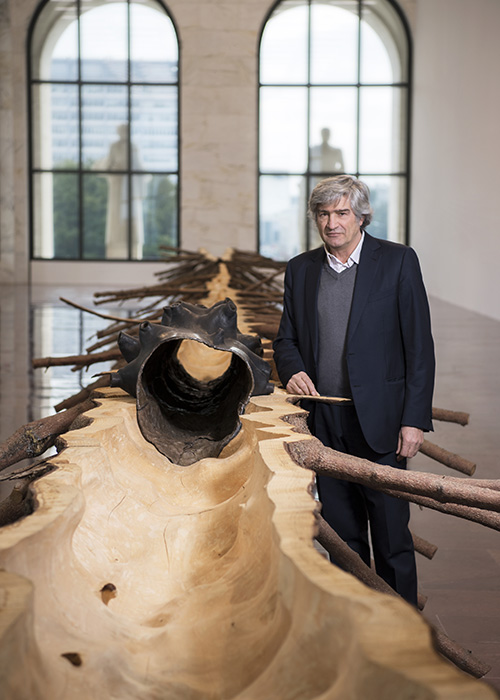 The artist Giuseppe Penone with his work 'Matrice'. Copyright Fendi.