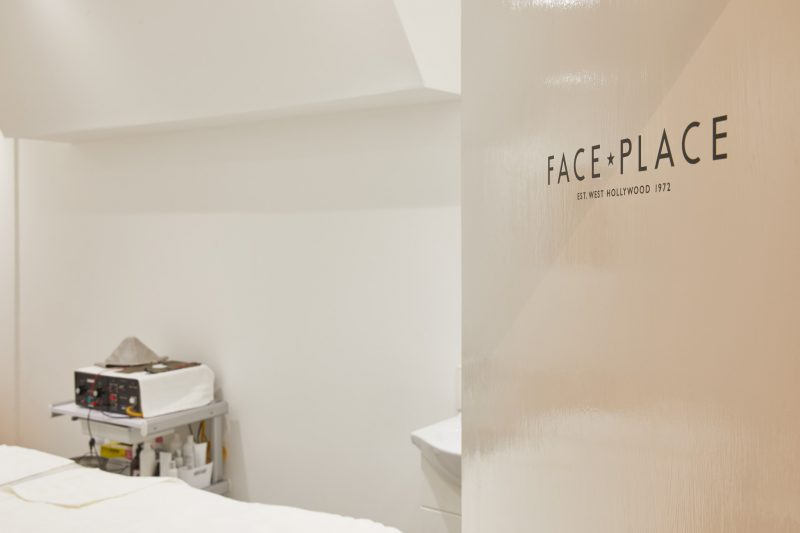 Harvey Nichols 4th Floor Beauty & Wellbeing Space - Face Place Treatment Room [2]